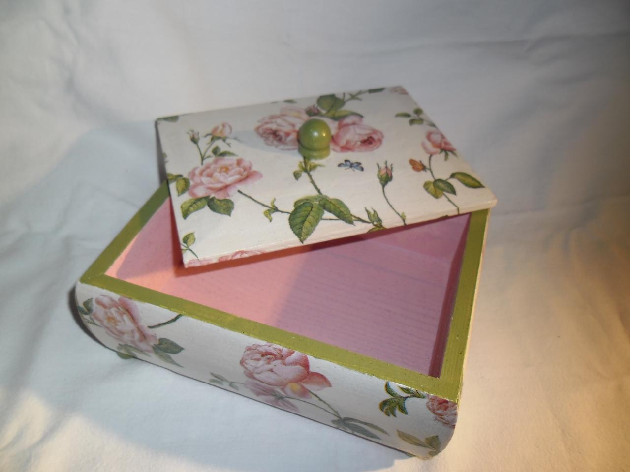 Très jolie  boîte à bijoux